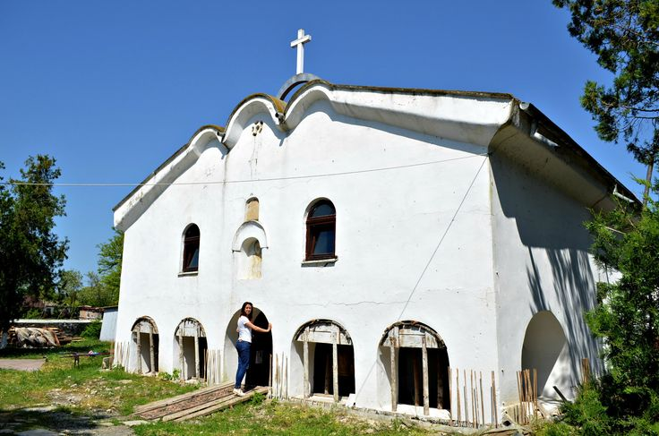 Roaming The Dobrujan Countryside: Burdocks, Bugs, Dirtroads & A Turtle - Roaring Romania