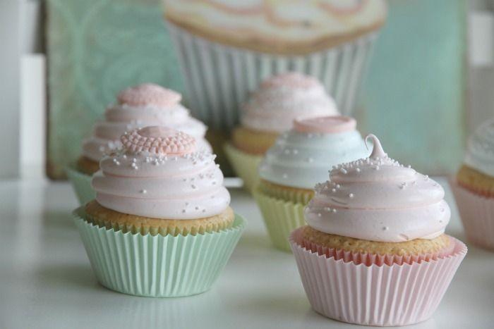 Passion 4 baking » Vintage pastel cupcakes & vanilla cupcakes