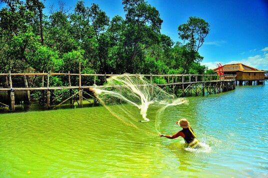 Kampoeng Kepiting fisherman