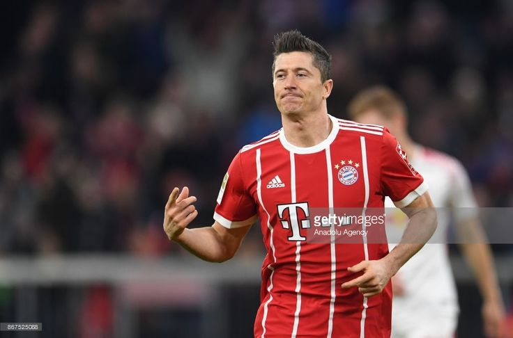 Robert Lewandowski of Bayern Munich celebrates after scoring a goal during the German Bundesliga soccer match between FC Bayern Munich and RB Leipzig at Allianz Arena in Munich, Germany, on October 28, 2017. (Photo by Andreas Gebert/Anadolu Agency/Getty Images)