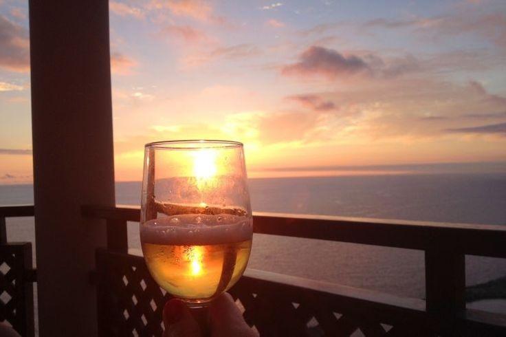 Крафтовое пивоварение в Греции: кризис и высокие налоги http://feedproxy.google.com/~r/russianathens/~3/rAMx9Z8UgD4/22483-kraftovoe-pivovarenie-v-gretsii-krizis-i-vysokie-nalogi.html  Грецию принято считать винной страной: вплоть до 2016 года вино там даже не облагалось акцизом. Однако все популярнее становится и крафтовое пивоварение, которое развивается несмотря на продолжающийся экономический кризис и непомерно высокий акциз. О том, как справляются с трудностями крафтовые пивовары…