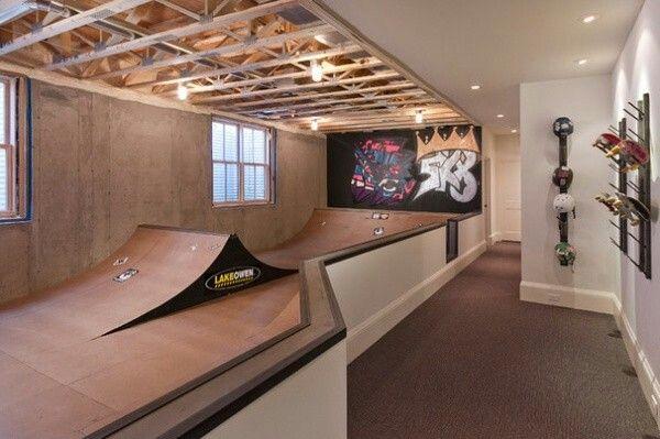 Private home skateboard mini skatepark. Mini ramp with spine