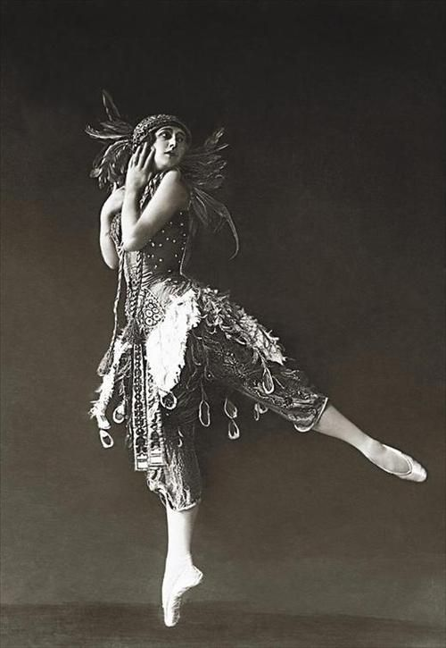"Tamara Karsavina in ""The Firebird"", 1912."