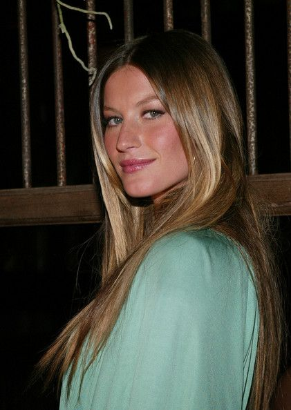 More Straight Guys Here Follow: More Pics Of Gisele Bundchen Long Straight Cut
