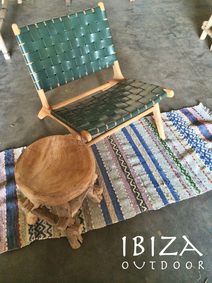 Deze Ushuaia vintage lounge stoel, ibiza krukje en ibiza kleedje zijn naar een mooi huis in Utrecht gegaan vandaag! bij interesse mail naar ibizaoutdoor@gmail.com ook voor een afspraak in de loods. gr Mees