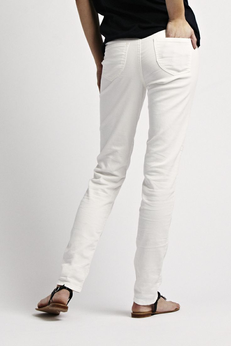 Florence Design Rufina Pant with golden florence design coin - available in orange and in white!