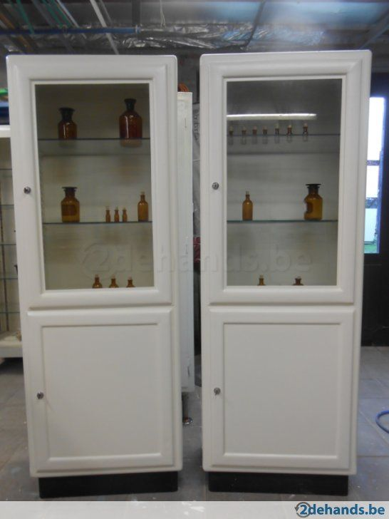 Apothekers kast 1960 / medicijnkast