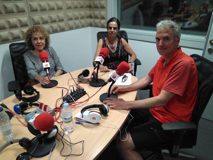 En el programa de Caja de resonancia del 14 de junio de 2017, Carlos de Dios y Conchas acompañan a Nona Dominguéz para hablar de la lectura en voz alta.