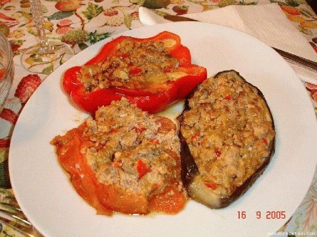http://www.mundorecetas.com/recetas/receta5098-Verduras-rellenas-Thermomix-y-cazuela.html][b][size=5][u]Verduras rellenas (Thermomix) y cazuela[/u][/size][/b][/URL]