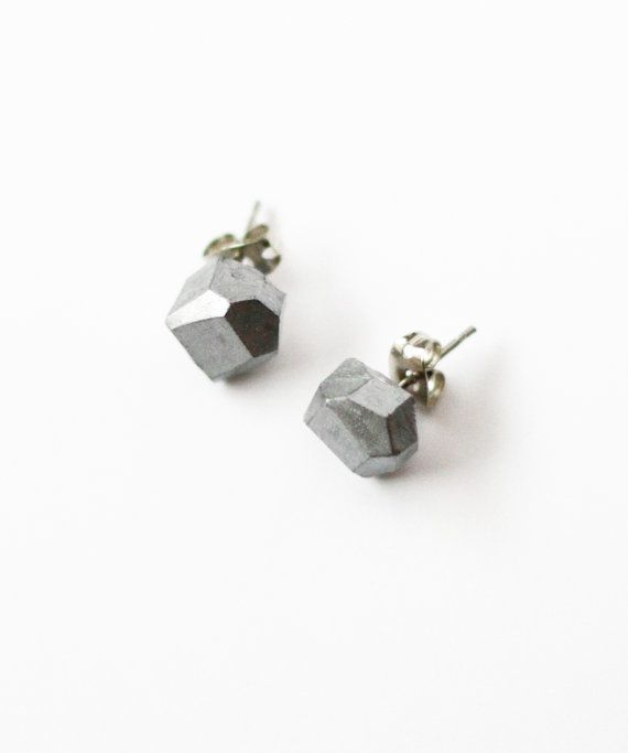 silver geo earrings by amerrymishap on Etsy