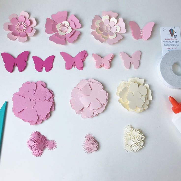 Sometimes I wonder, what makes me happy other than the people I love? And then I look at my work and SMILE Shop these paper decor & gifts @KomalWorks.etsy.com We ship worldwide  #etsy #paperbutterflies #paperflowers #pinkdecor #girlsroomdecor  #komalworks