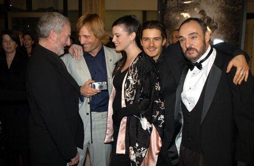 Bernard Hill, Viggo Mortensen, Liv Tyler, Orlando Bloom, and John Rhys Davies
