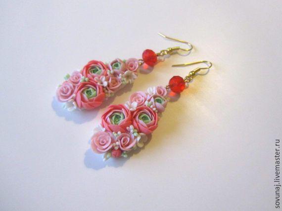 Купить удлиненные серьги с ранункулюсами и миниатюрными розами - розовый, ранункулюс, красивые серьги, цветочные серьги