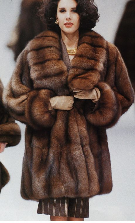 85 best GLAMOUR WITH THE FUR LOOK images on Pinterest   Fur ...