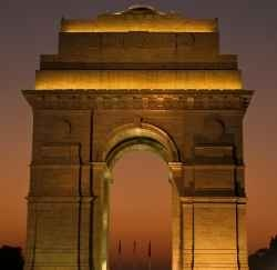 The country capital, Delhi is the heart of India has charm of its own for its delectable savors. The incredible land has been the seat of many rulers, the city also opens up with many historical and heritage sites.