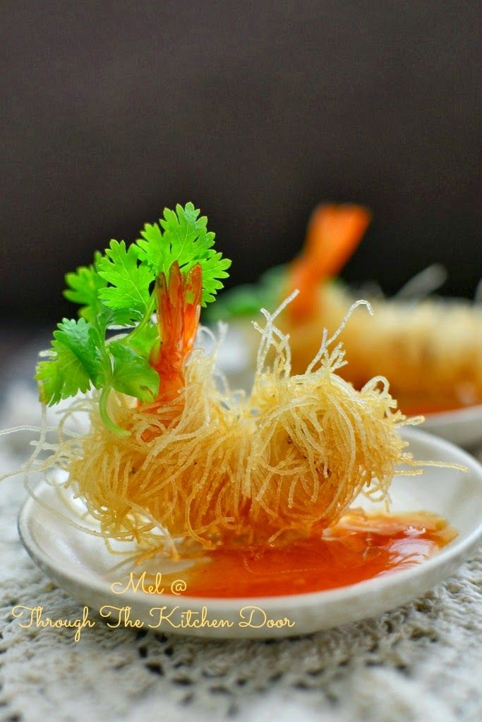 """Through The Kitchen Door: """"Goong Sarong"""" (Deep Fried Prawns Wrapped In Vermicelli)"""