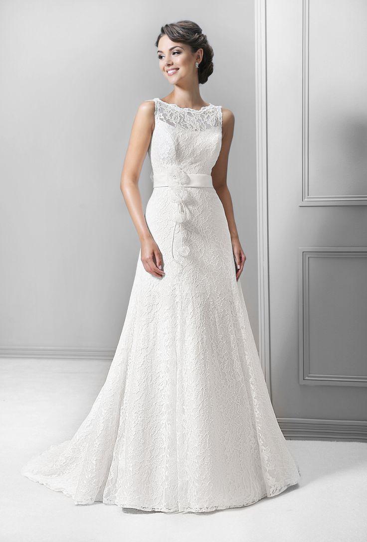 svatební šaty krajka splývavý styl Agnes 14303