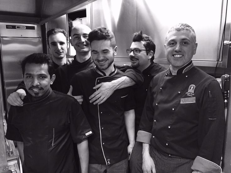 The kitchen team brigade