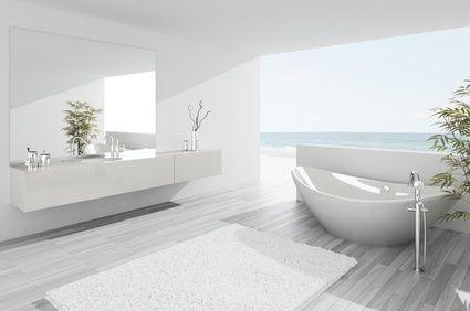 Coup de projecteur sur LA nouvelle star des salles de bain, la baignoire îlot. Si la baignoire îlot a de sérieux atouts séductions, sa mise en œuvre est plus complexe que les baignoires classiques. Certaines contraintes techniques sont à prendr