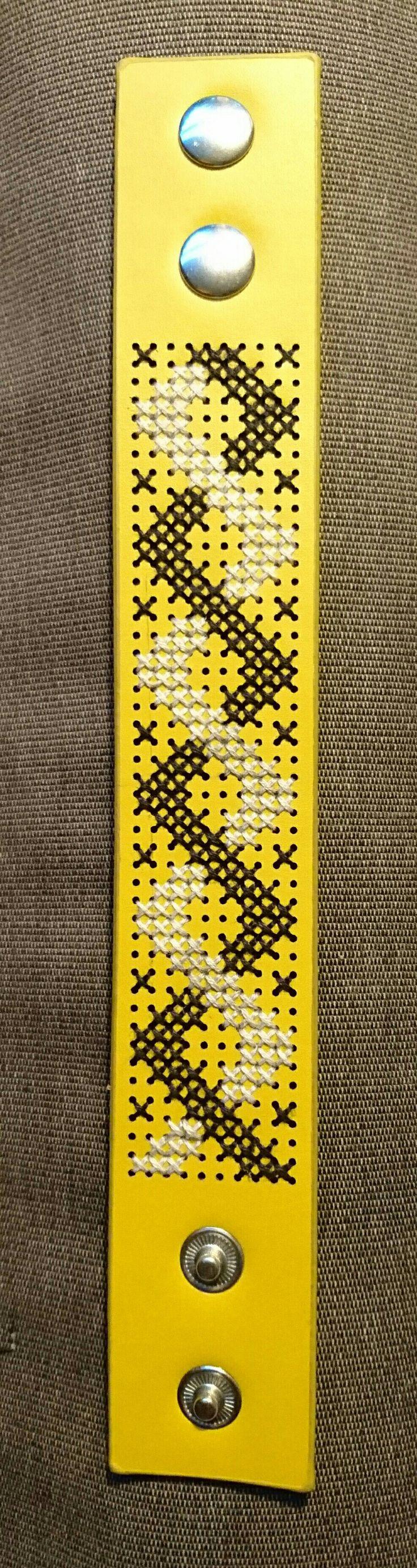 Geborduurde armband
