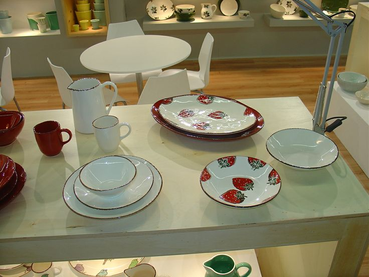 Strawberry´s - Value Ceramic  Designed by Márcia brilha e Carlos Serralha
