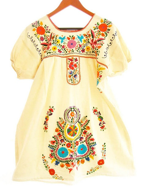 Vintage mexican embroidered birds hippie chic dress. looks great with a tan, sock bun, big sunglasses and flip flops at the beach.