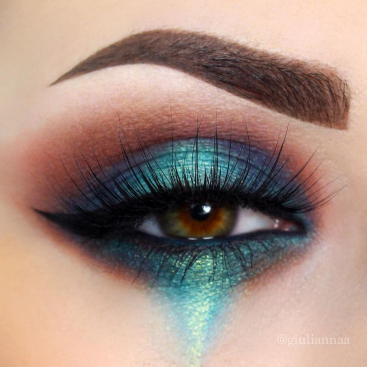 @giuliannaa created this absolutely stunning piece using our loose pigment in Debauched. Doesn't it look like a painting?