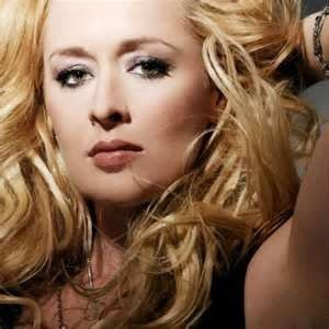 County Singer Mindy McCready died of apparent suicide on Sunday, February 17, 2013. #examinercom
