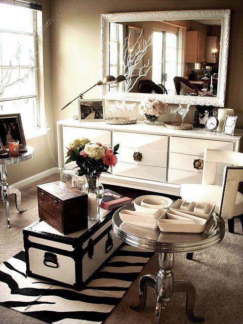 City apartment decor ♥ @ DIY House Remodel