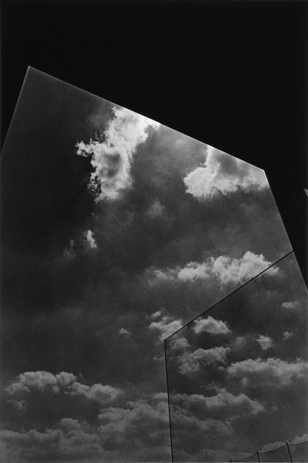 Glass house and sky, Tokyo 1981 - Kikuji Kawada