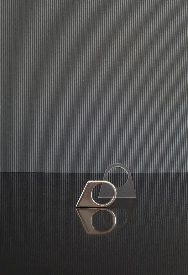 OFORM Modern Geometric Jewelry by Naomi Bijlefeld