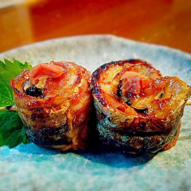 お客さんから秋刀魚料理のリクエストがあったので試作♪ - 118件のもぐもぐ - 秋刀魚と豚バラの梅紫蘇トルネード焼き by ichidolushi