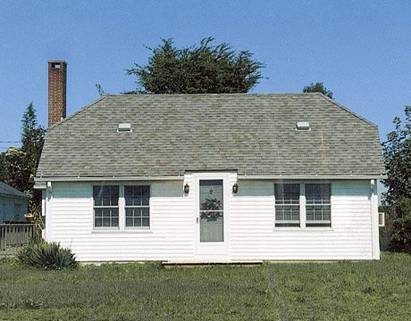 Country Cottage Small Budget Makeover Drab Color And Nonexistent Landscaping