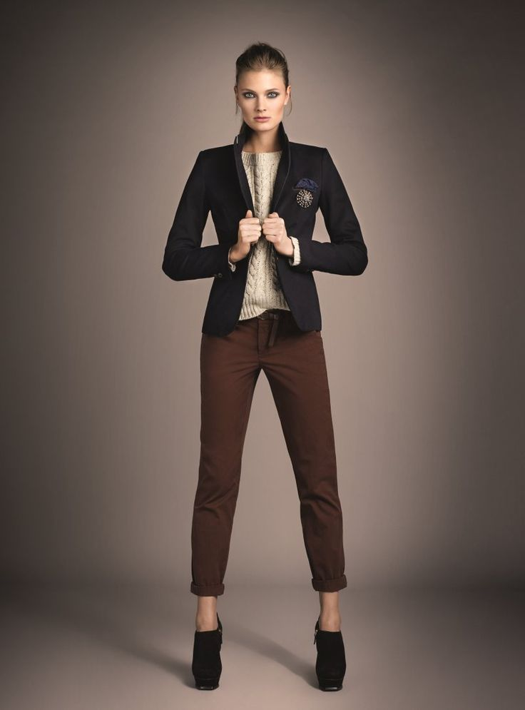 Constance x Oui - German label Oui taps Constance Jablonski to model its fall 2012 collection with an elegant ease. The autumn outing features all the stap