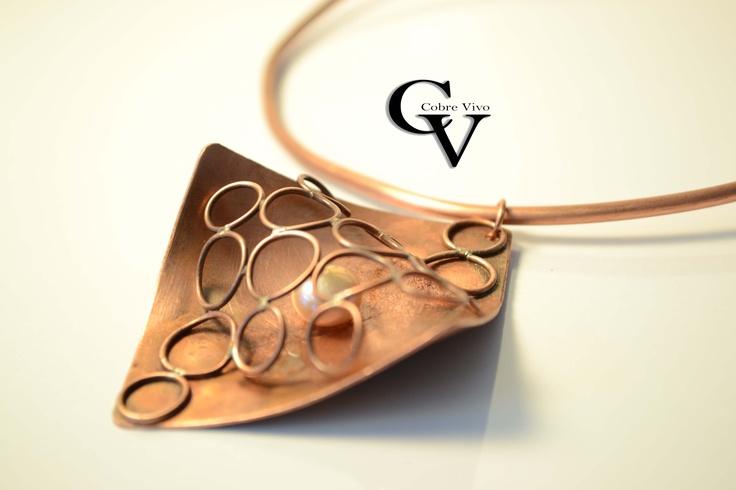 Linea de diseño en cobre y perlas, colección 2013