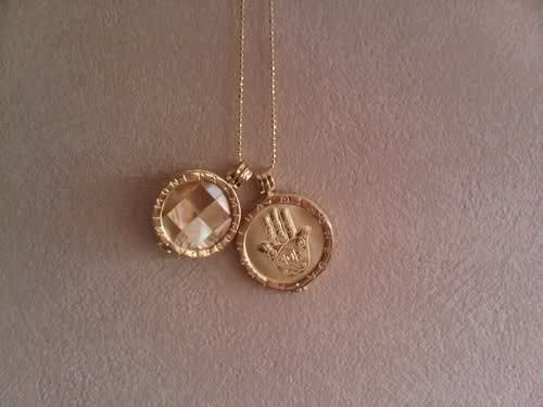 Mi Moneda Pendants.