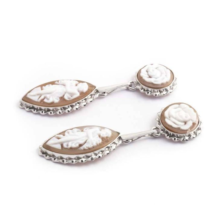 Mario Scognamiglio Lange camee oorbellen in zilver met roos en vrouw