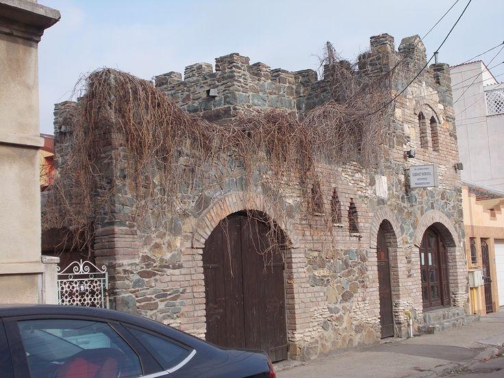 """""""Castelul"""" de pe strada Libertății... Foto: Yigru Zeltil"""