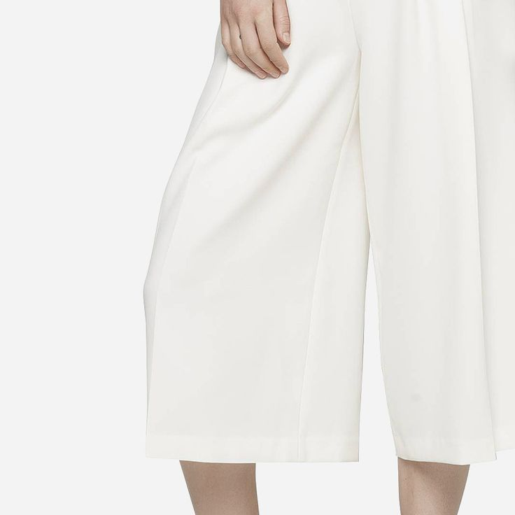 Elegant und trendy ist die Hose im Culotte-Stil von Tommy Hilfiger in 7/8 Länge: https://sturbock.me/set/nudecol/#55046