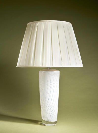 Cobweb table lamp