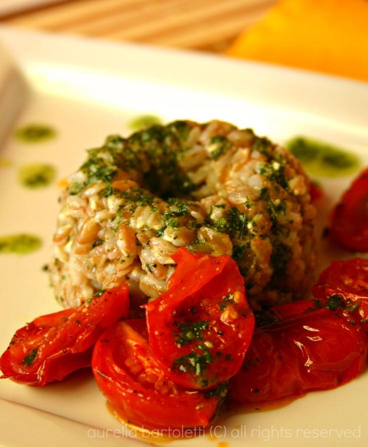 Farro con emulsione al basilico e pomodorini confit
