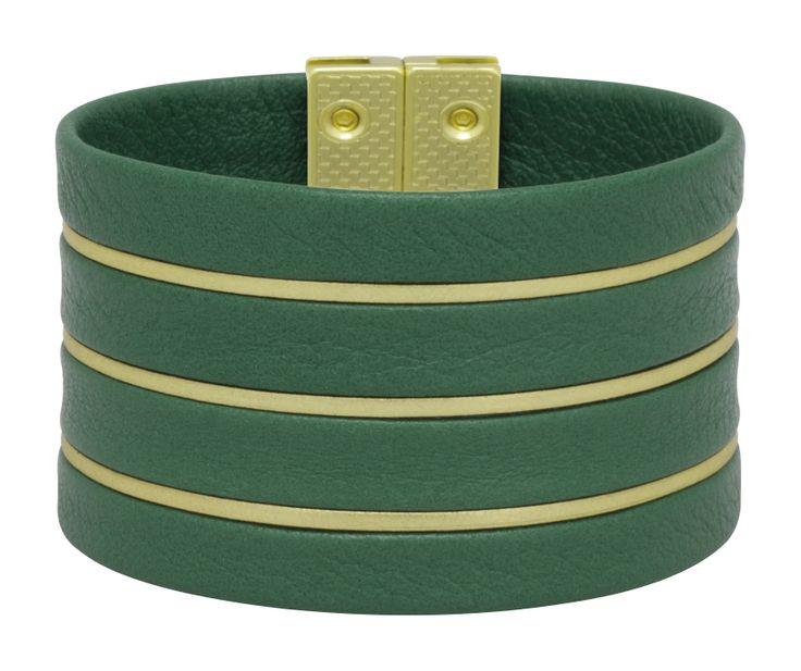 Pulseiras com design italiano, produzidas em couro legítimo e com metais banhados a ouro para marcas de terceiros