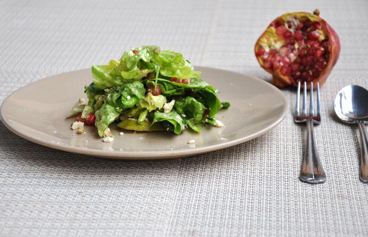 Σαλάτα σπανάκι με αχλάδι και ρόδι