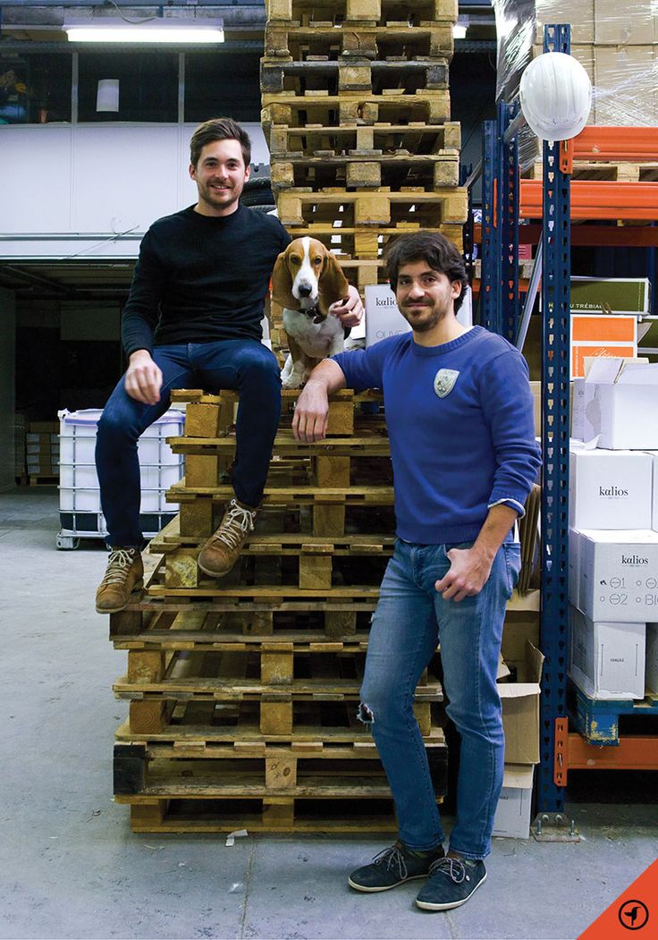PORTRAIT CROISÉ — LES FRERES CHANTZIOS Il n'aura fallu que cinq ans et soixante dix tonnes d'olives récoltées pour que les frères Chantzios, Gregory et Pierre-Julien, deviennent des figures...
