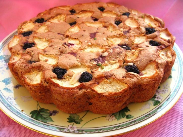 Elmalı Böğürtlenli Kek
