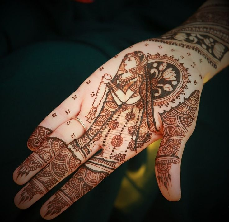 Real Indian Wedding - Utsav and Harin | WedMeGood | Intricate Mehnedi Hand Design with a Bride Caricature #wedmegood #realwedding #mehendidesign #mehandi #bridal