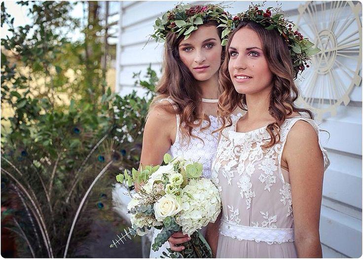 Couronne de fleurs pour mari e mariage feuillage illet hortensia baies et plumes st phanie - Couronne fleurs mariee ...