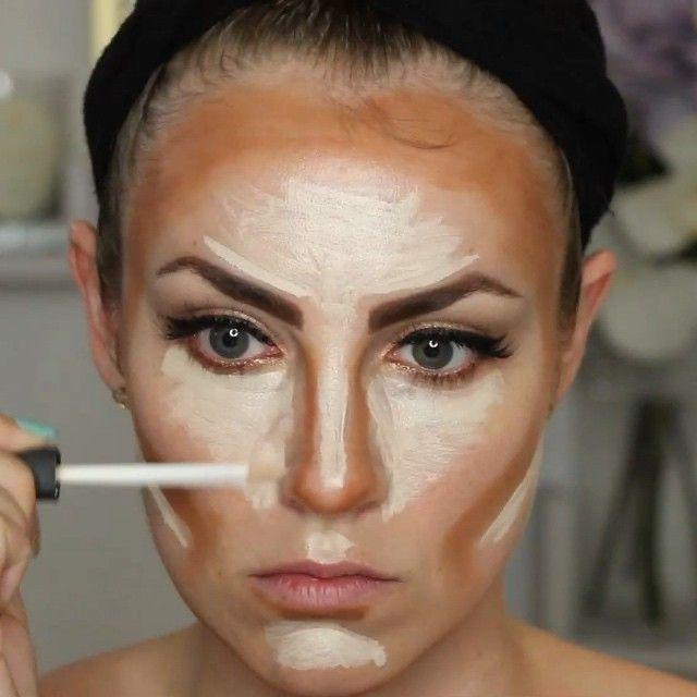 Highlight & Contour Routine in 15 seconds! Using Anastasia Beverly Hills Contour Kit, NARS Radiant Creamy Concealer, Laura Mercier Secret Brightening Powder and a beautyblender. #HelloGorgeous