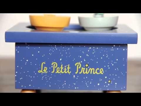 Vidéo de présentation de la boîte à musique Petit Prince signée Trousselier. Ce produit est en vente sur notre site : http://www.jeujouet.com/trousselier-boite-a-musique-en-bois-petit-prince.html #BoiteAMusique #PetitPrince #Trousselier #Jeujouet