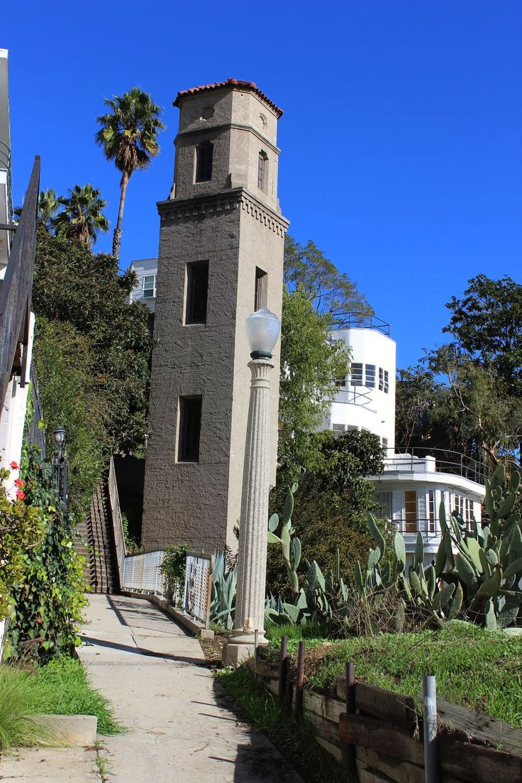 Tucked between the hollywood bowl and camrose drive in the - Hollywood hills tv show ...